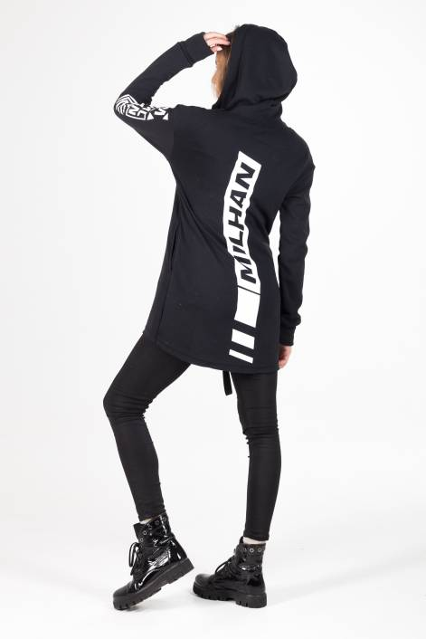 Stylish elongated hoodie
